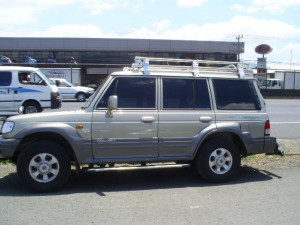 Hyundai Galloper 2000 side view