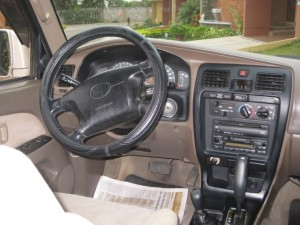 Photo of dashboard Toyota 4runner 1999